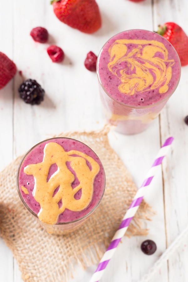 peanut-butter-and-berry-quinoa-smoothie6