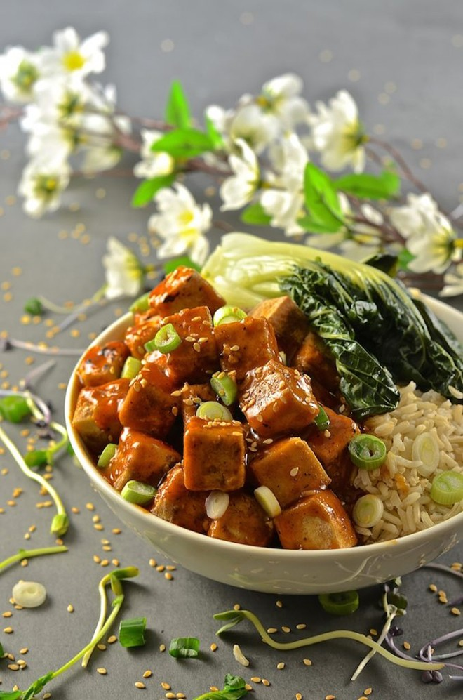 If you're more into tofu, try this Asian-style chilli ginger tofu.