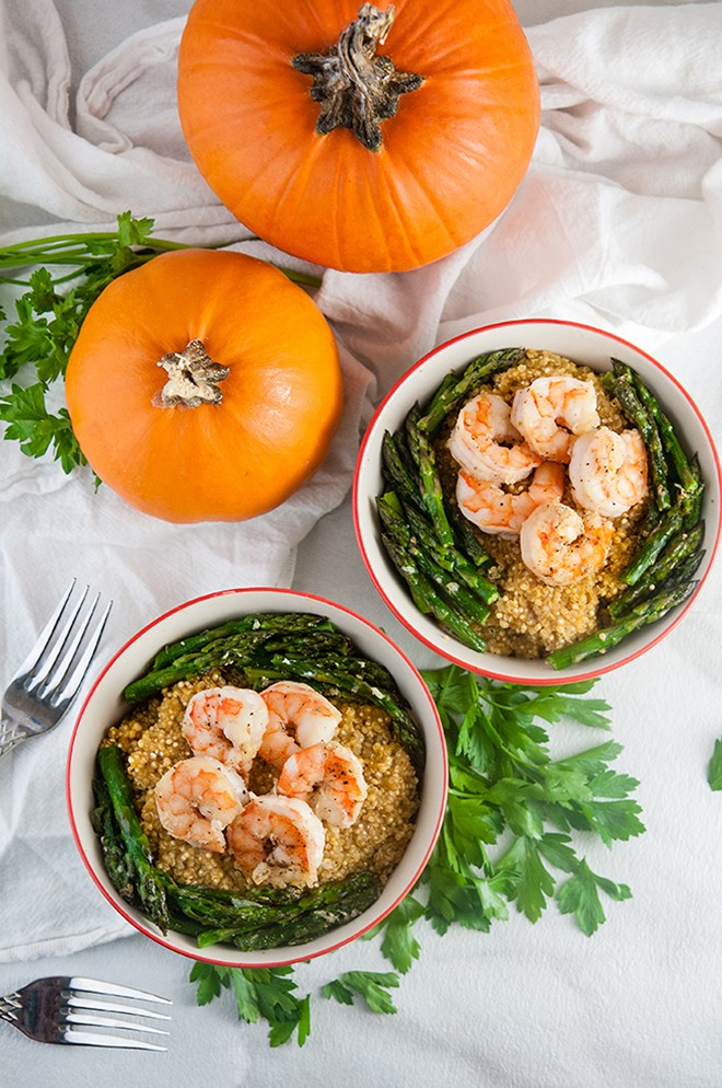 This parmesan pumpkin quinoa with asparagus and shrimp looks so good and simple.